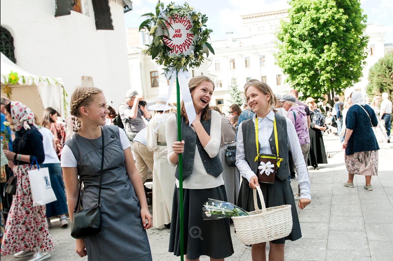 10 тысяч гостей и около 4 миллионов рублей – итоги «Белого цветка» в Марфо-Мариинской обители