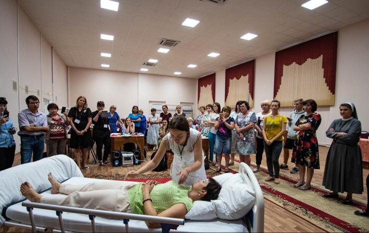 Представители московской православной службы «Милосердие» провели семинар по уходу в Волгограде
