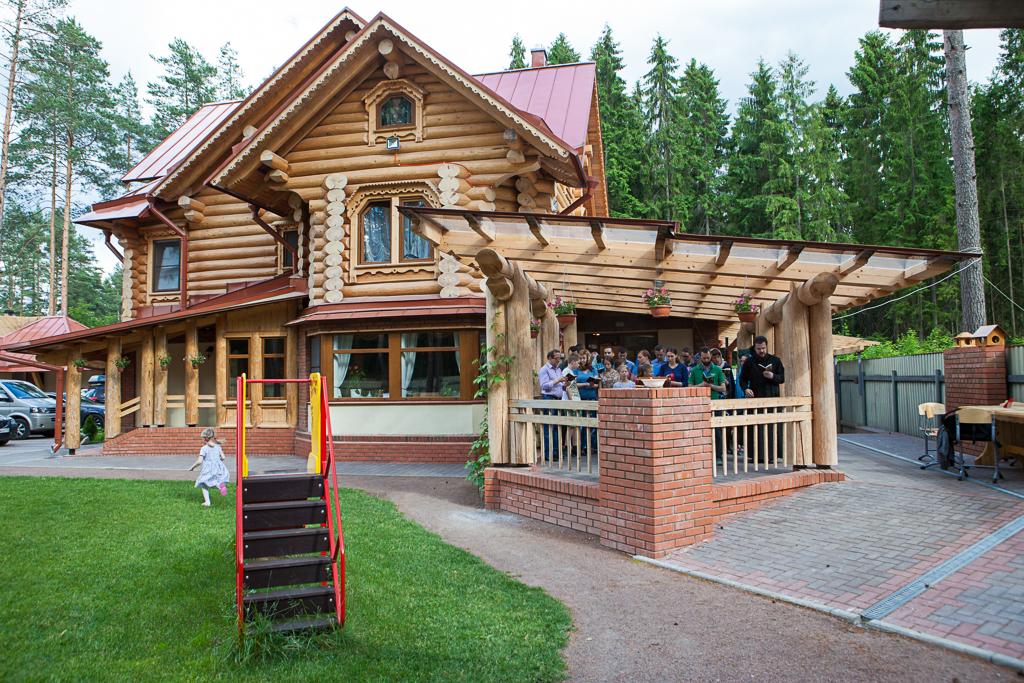 В Ленинградской области у бывших пациентов психоневрологического интерната появился свой дом