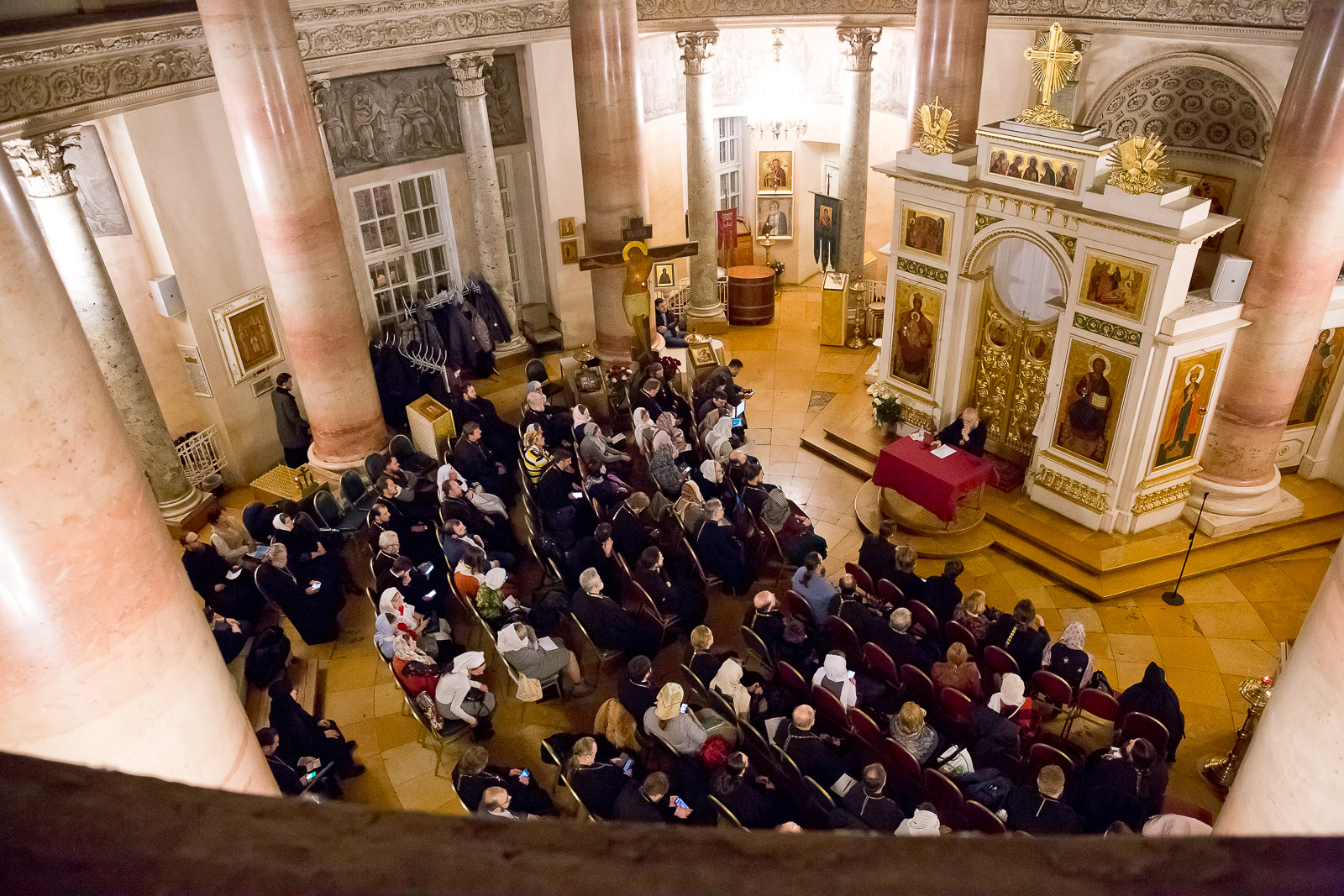 Встреча в храме царевича Димитрия при Первой градской больнице. Фото: Елена Добрякова