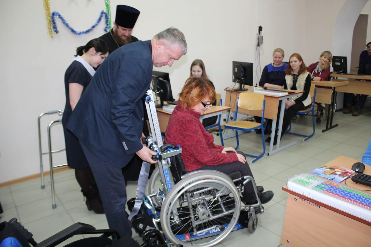 Златоустовская епархия предоставила людям с инвалидностью средства реабилитации
