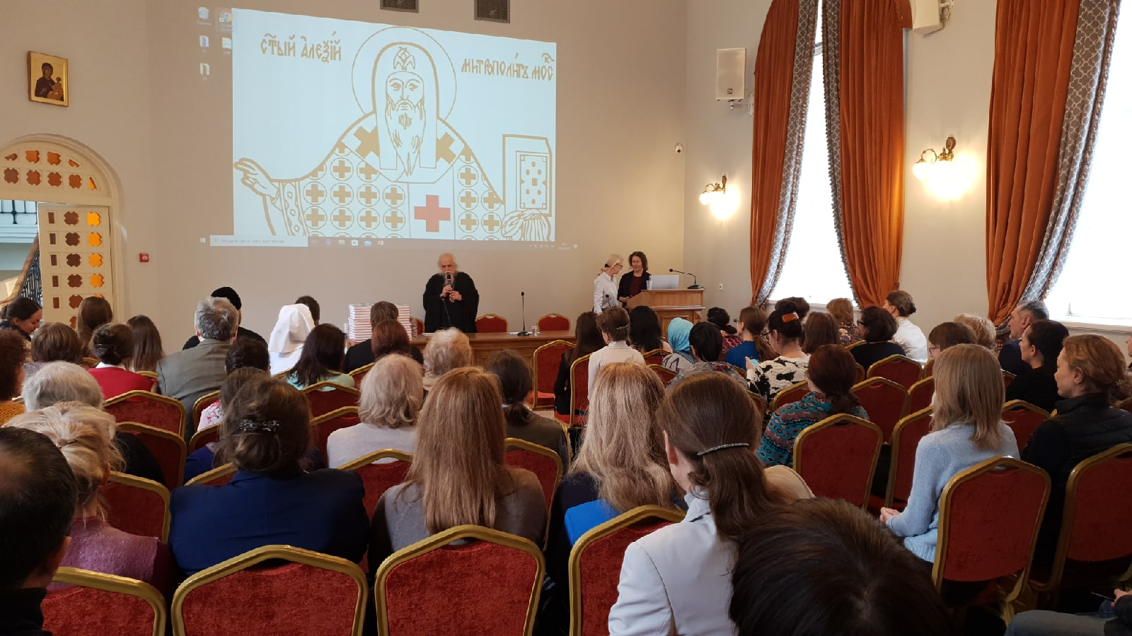 В Москве начнет работу 81 помощник больничных священников