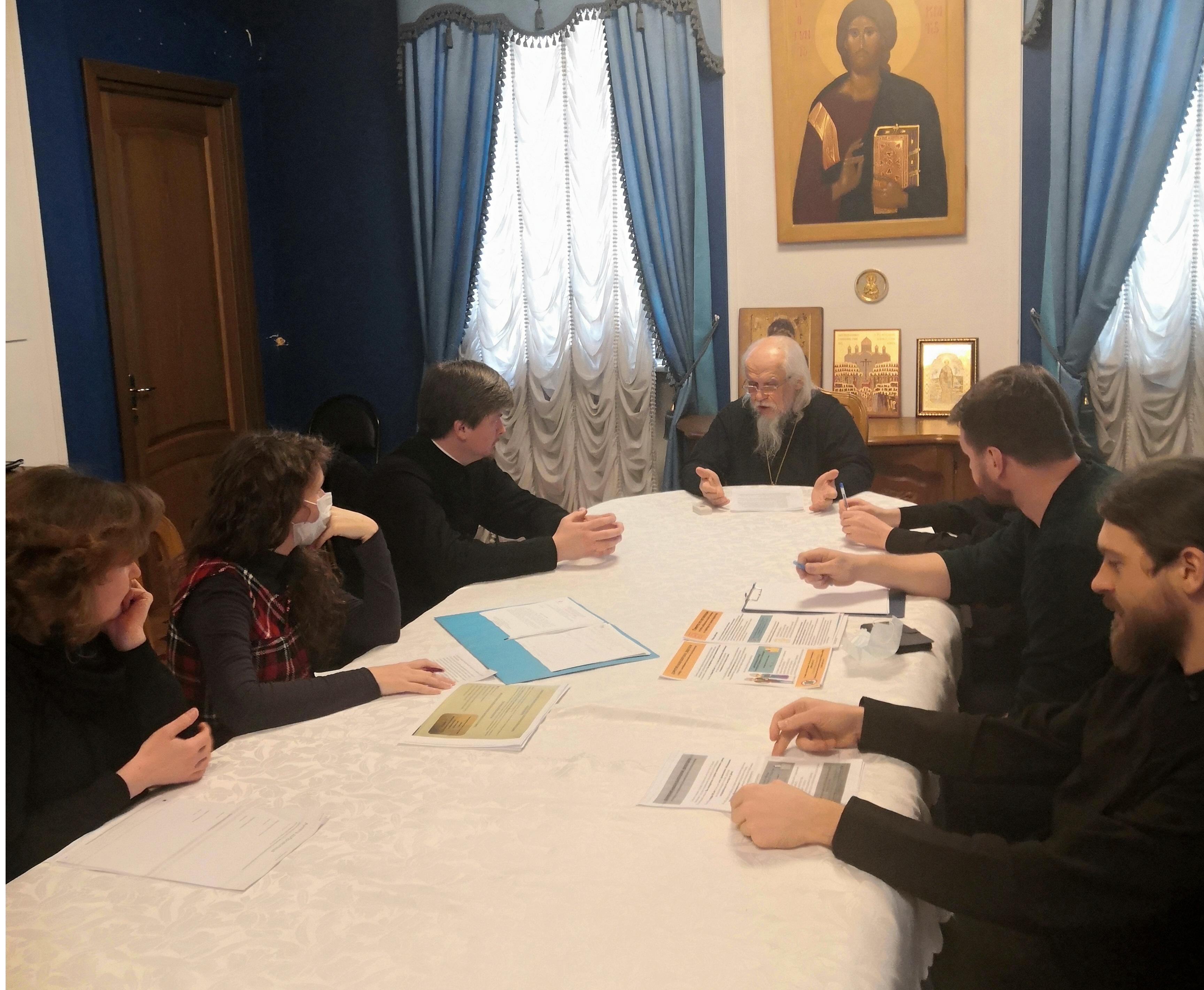 Волонтерскую помощь в Москве обсудили в Синодальном отделе