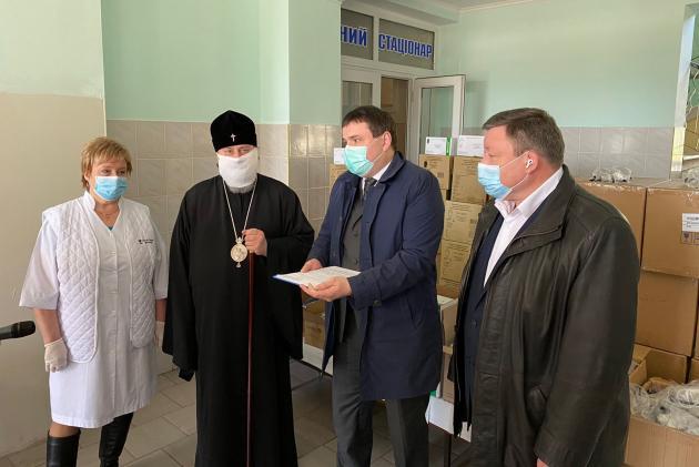 Помощь больницам и медикам оказывает Украинская Православная Церковь