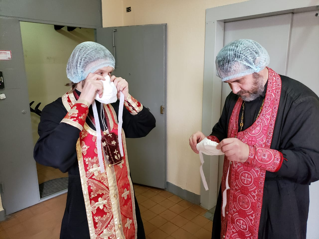 В Церкви разработаны правила для священников при посещении людей на изоляции
