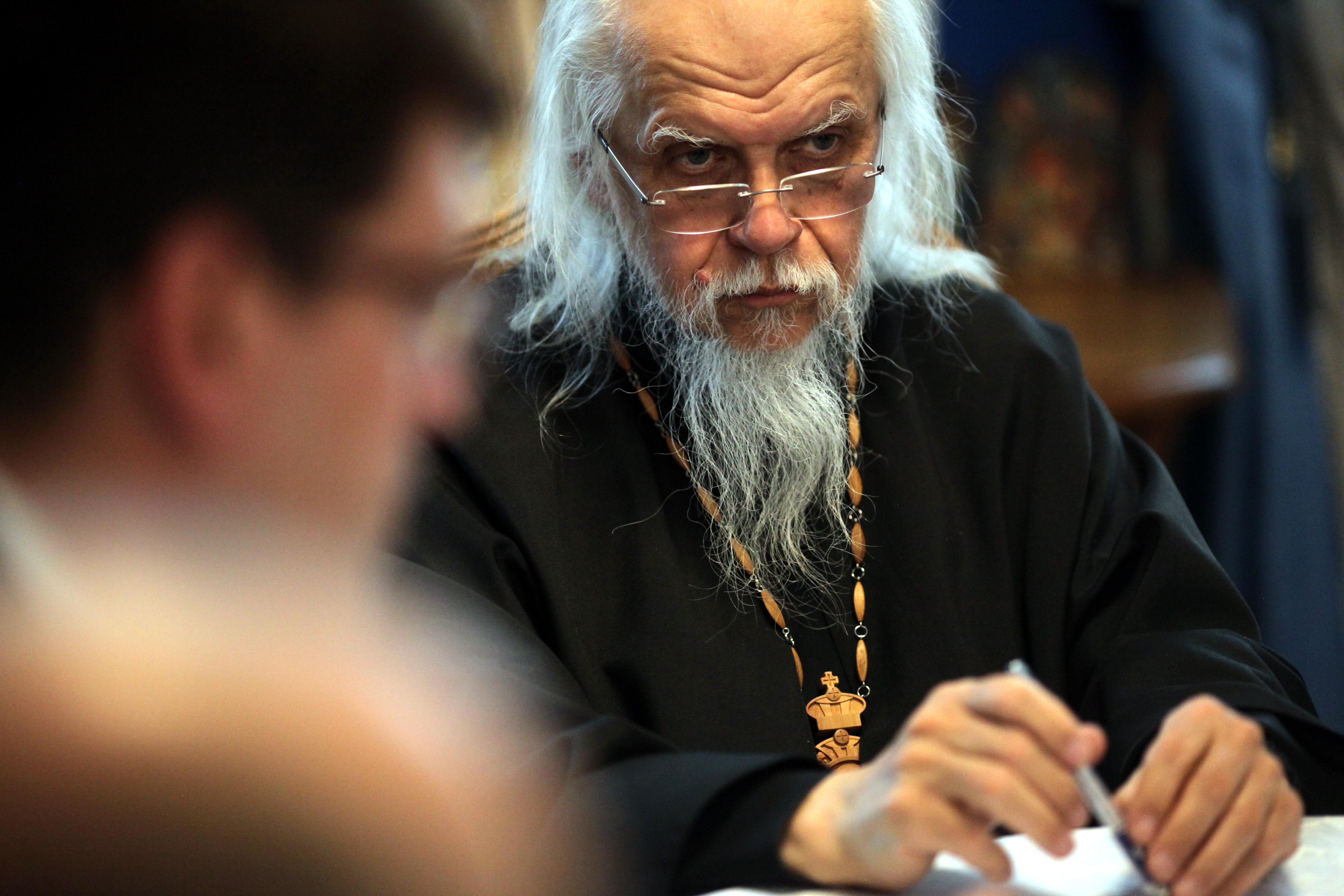 Епископ Пантелеимон: Зараженные COVID-19 просят нас прийти в больницы
