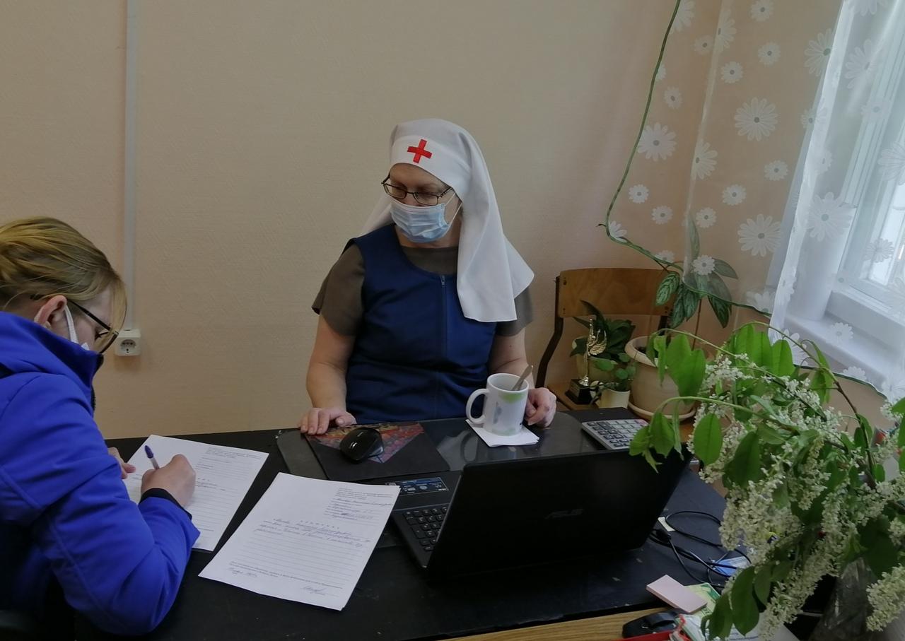 Сотрудники центра «Доброе дело» Югорской епархии готовы помочь