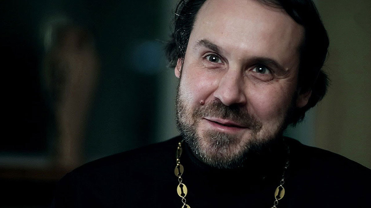 Протоиерей Андрей Постернак отвечает на звонки в дневное время