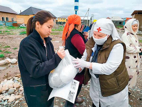 Помощь сестер милосердия Бишкекской епархии в Киргизии. Фото: «Русский репортер»