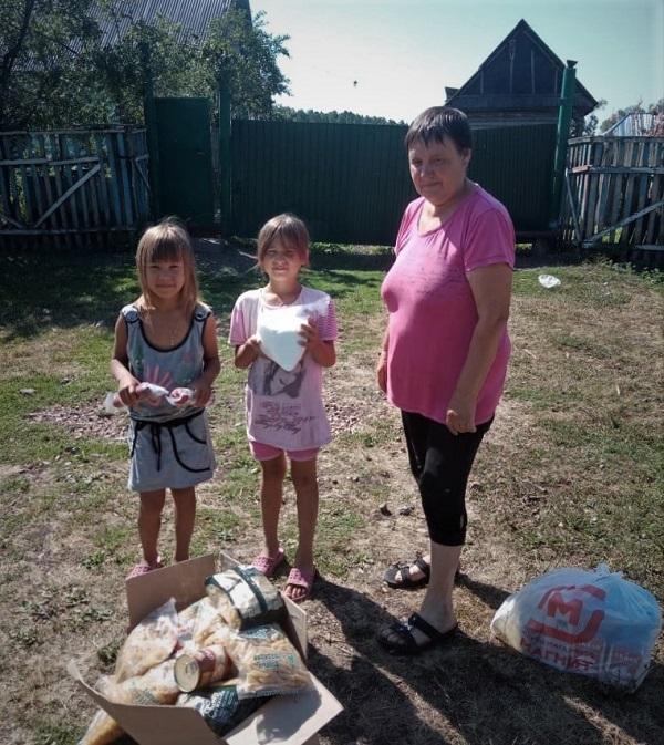 На средства Синодального отдела в Салаватской епархии раздали нуждающимся 60 продуктовых наборов