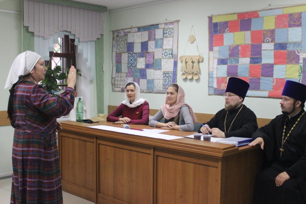 Экзамен на курсах жестового языка в Калужской епархии