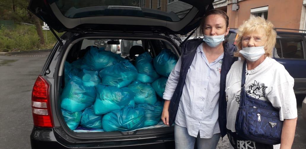 Передача волонтерами Находкинской епархии продуктовой помощи нуждающимся