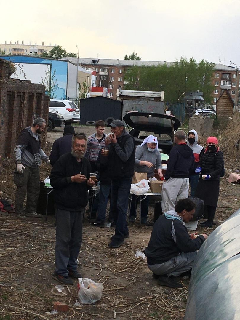 Кормление бездомных в Красноярске