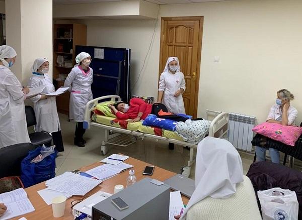 Специалисты московской патронажной службы провели занятия по уходу для сестер милосердия Петропавловской епархии