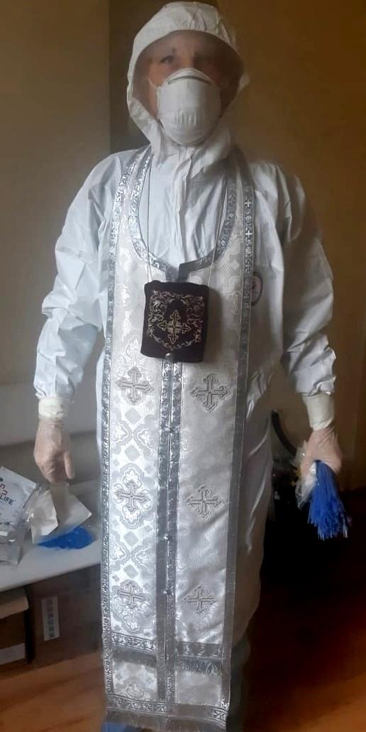 Благочинный Ахтубинского округа иерей Игорь Анищенко в COVID-госпитале
