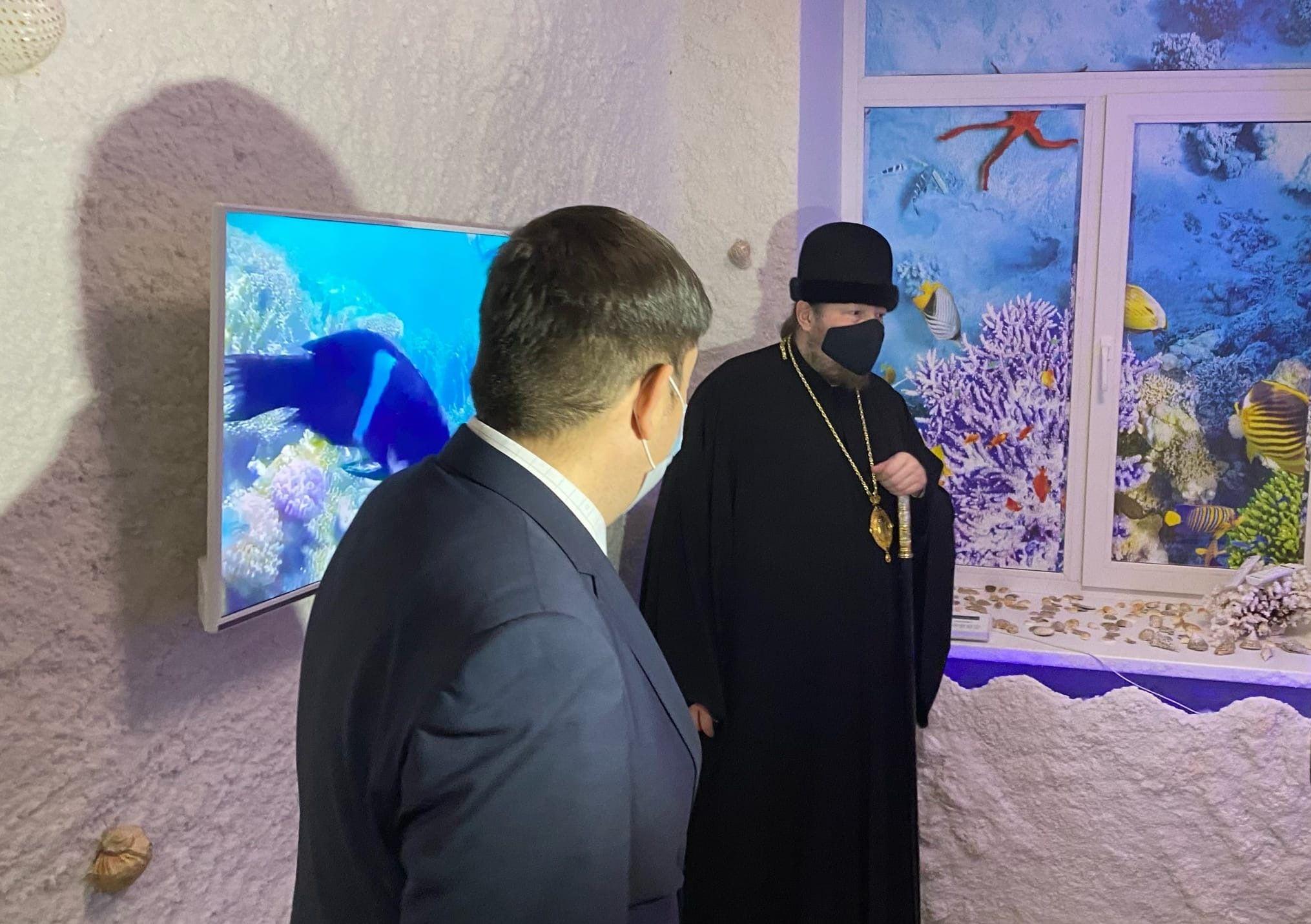 Епископ Златоустовский и Саткинский Викентий на открытии соляной комнаты в детском саду №73 Златоуста