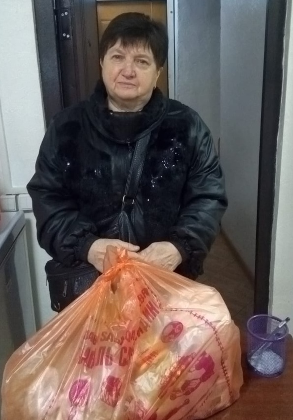 Передача продуктовой помощи нуждающимся в Астанайской епархии