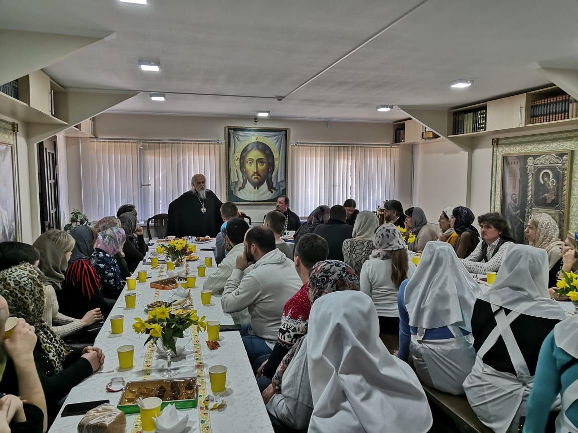 Встреча председателя Синодального отдела по благотворительности епископа Орехово-Зуевского Пантелеимона с социальными работниками Сочинской епархии