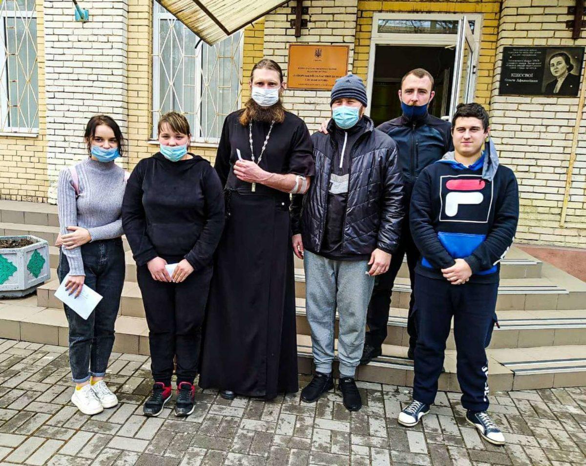 В Запорожской епархии священники и прихожане сдали кровь для онкобольных детей