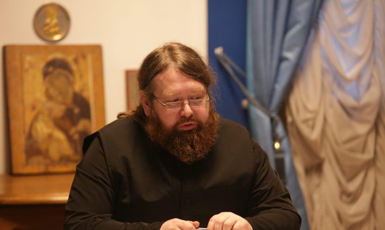 Заместитель председателя Синодального отдела по благотворительности иеромонах Пантелеимон (Алешин)