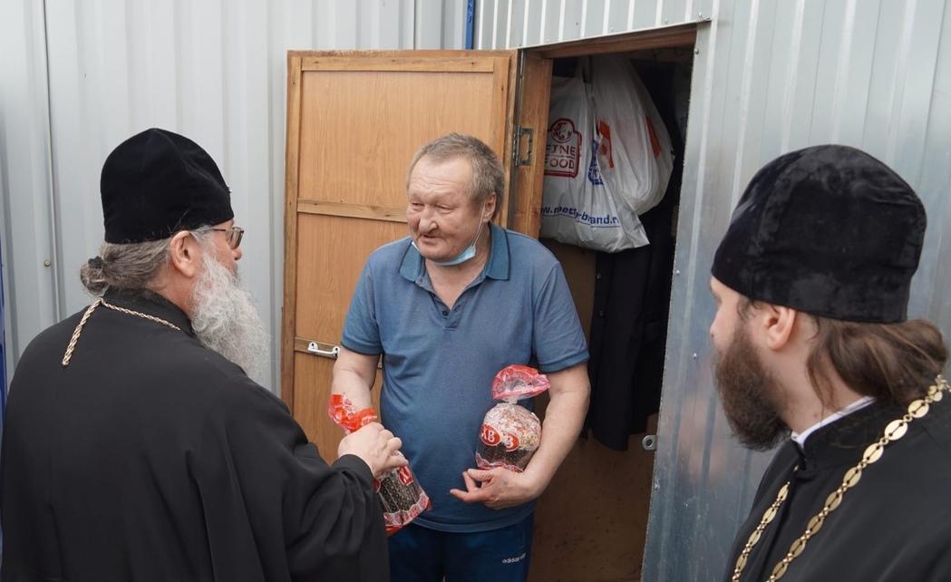 Митрополит Казанский и Татарстанский Кирилл поздравляет с Пасхой подопечных центра для социально уязвимых слоев населения «Приют человека»