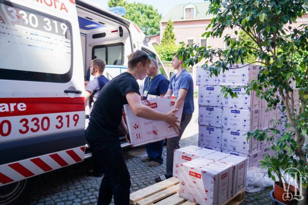 Украинская Православная Церковь оказала помощь медикам и нуждающимся