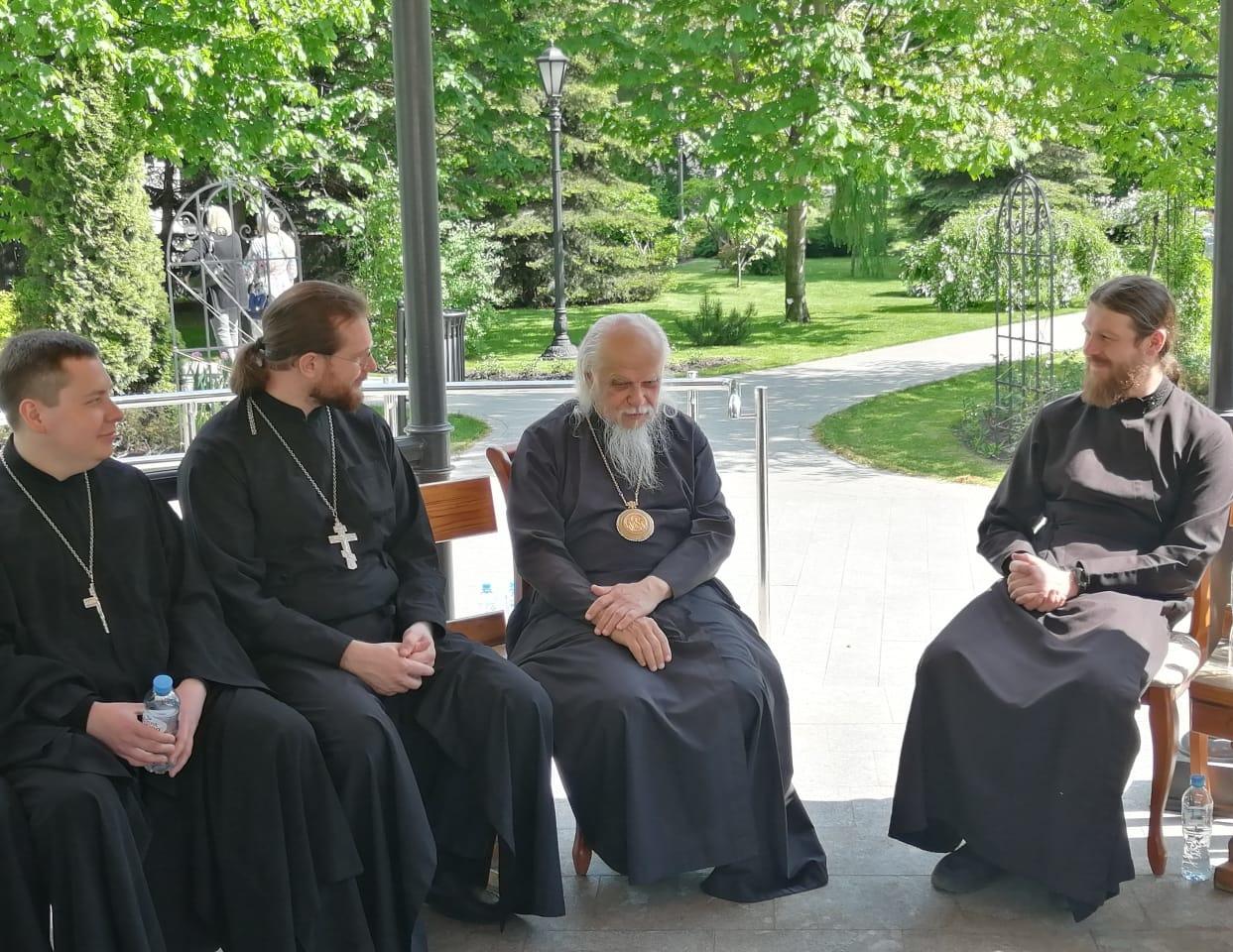Встреча с председателем Синодального отдела по благотворительности епископом Верейским Пантелеимоном