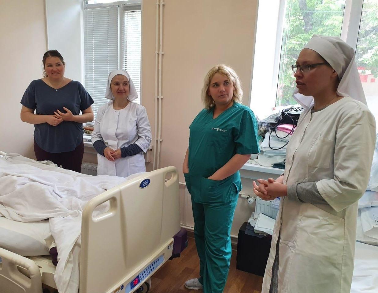 Обучающие курсы по уходу за тяжелобольными в Крыму. Фото: Валентина Максимова