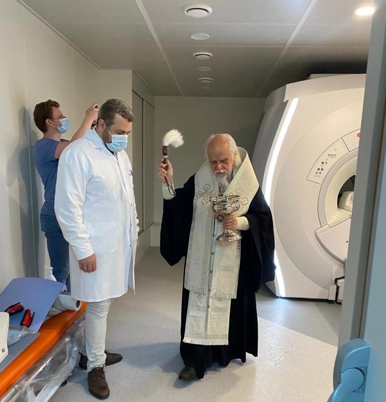 Епископ Пантелеимон освящает Центр лучевой диагностики Больницы Святителя Алексия