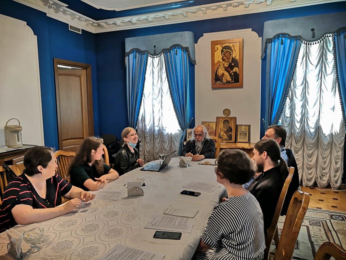 Встреча епископа Пантелеимона с представителями Фонда продовольствия «Русь»
