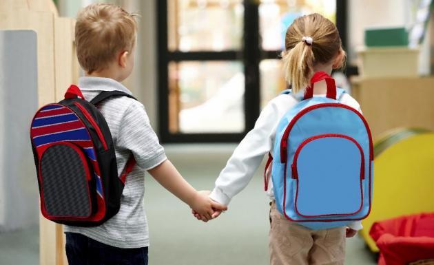 В Украинской Православной Церкви стартовала акция по сбору детей в школу