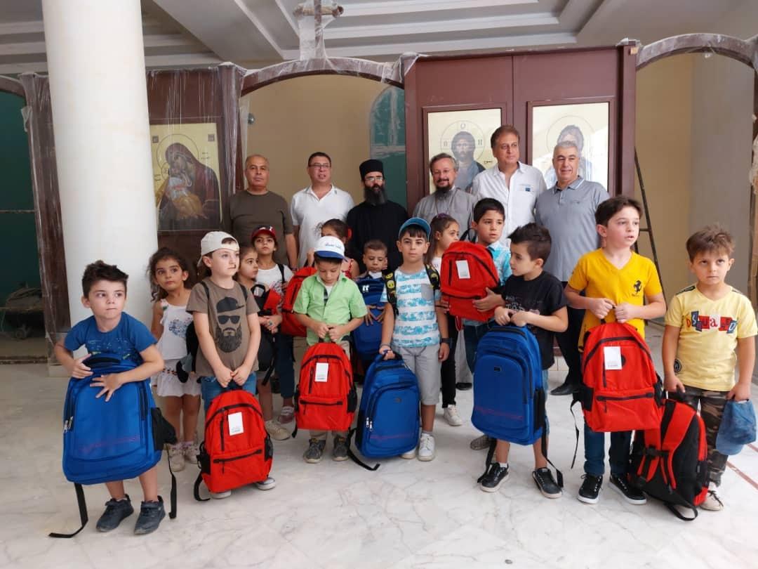 Передача школьных принадлежностей детям храма в честь Успения Пресвятой Богородицы Забадани
