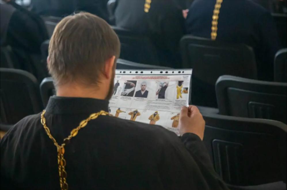 Красноярские священники начнут совершать Таинства в «красных зонах»