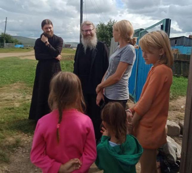 Встреча с местными жителями пострадавших от паводков сел