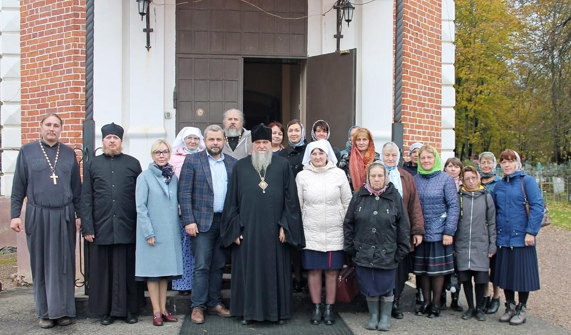 Епископ Рыбинский и Романово-Борисоглебский Вениамин, Алексей Заров и участники встречи
